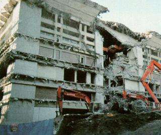 大客殿被拆毀